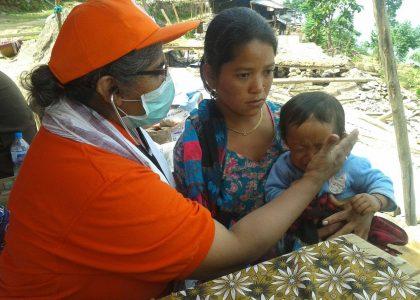 La speranza in Nepal:  tra le tende spuntano le prime case. Da Avvenire 04/06/2015.