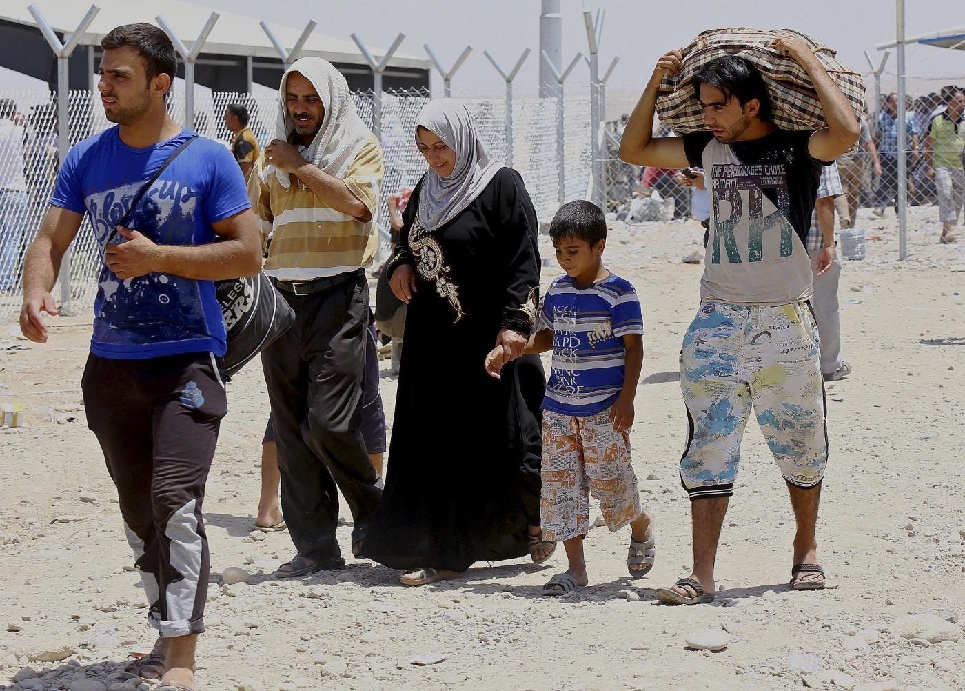 Accoglienza dei profughi presso enti religiosi e famiglie